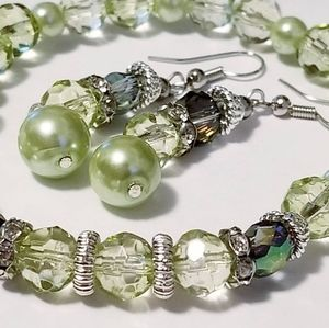 2/$25 Green pearl bracelet and earring set